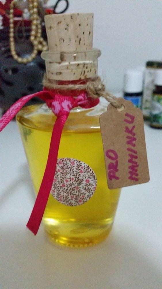 voňavý difuzér s citrusy, domácí čističe a aromaterapie