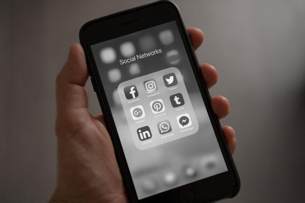 alvin korčák, minimalismus, žijeme minimalismem, socální sítě, internet, smartphone