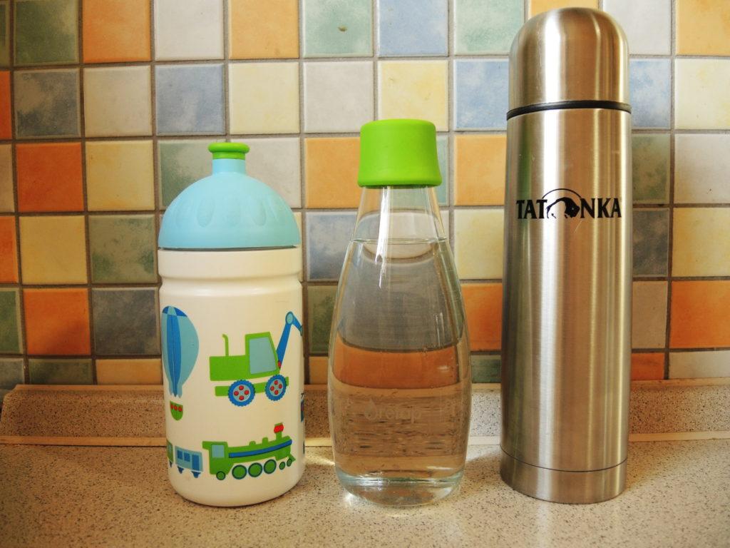 domácnost bez odpadu, méně odpadu, zero waste, minimalismus, postřehy, marcela sobotová, domácnost, odpad, pití, nádoby, sklo, termoska, zdravá lahev