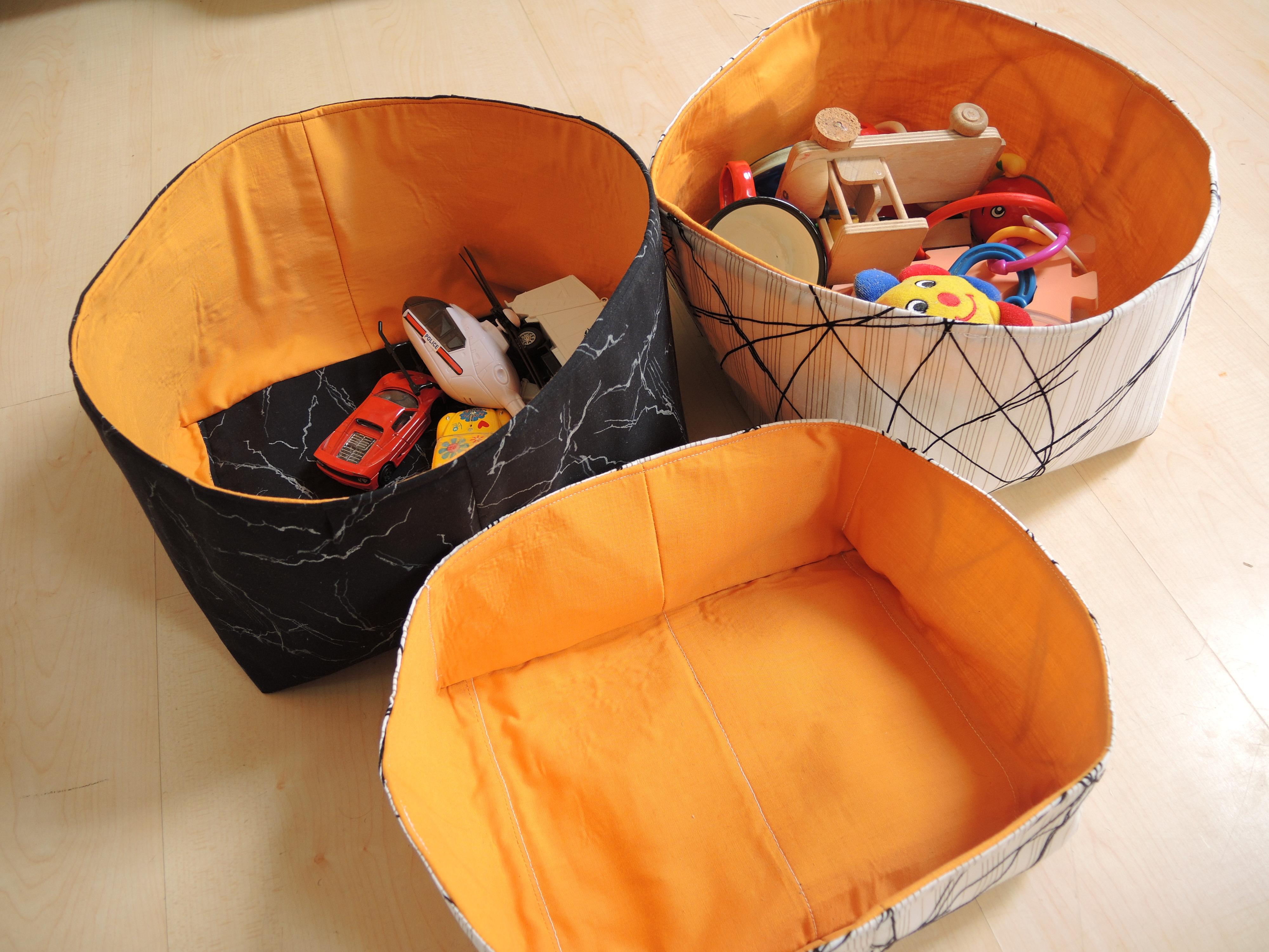 upcycling, přešívání, šití, minimalismus, šicí stroj, DIY móda, Marcela Sobotová, látkový košík, košile