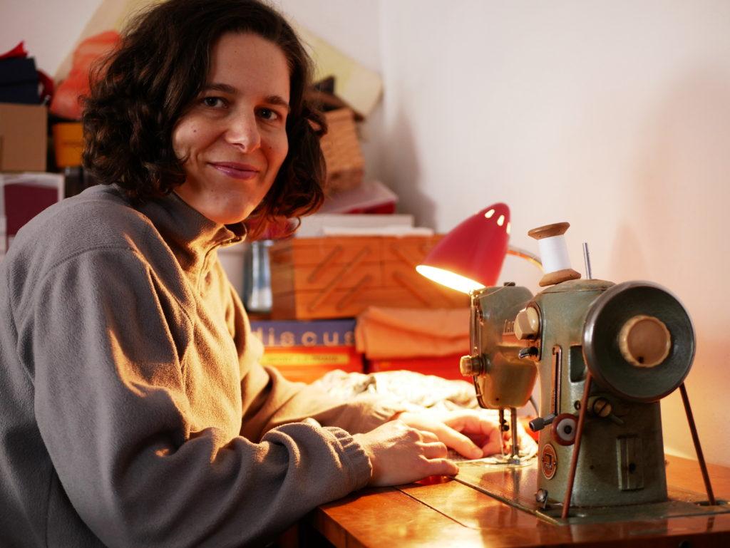 upcycling, přešívání, šití, minimalismus, šicí stroj, DIY móda, Marcela Sobotová