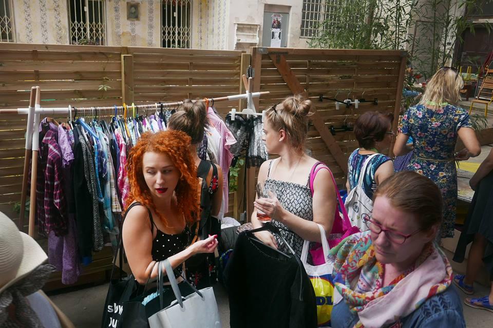 swap, Z pokoje do pokoje, výměna oblečení, minimalismus, rozhovor organizování swapu, jak se organizuje swap