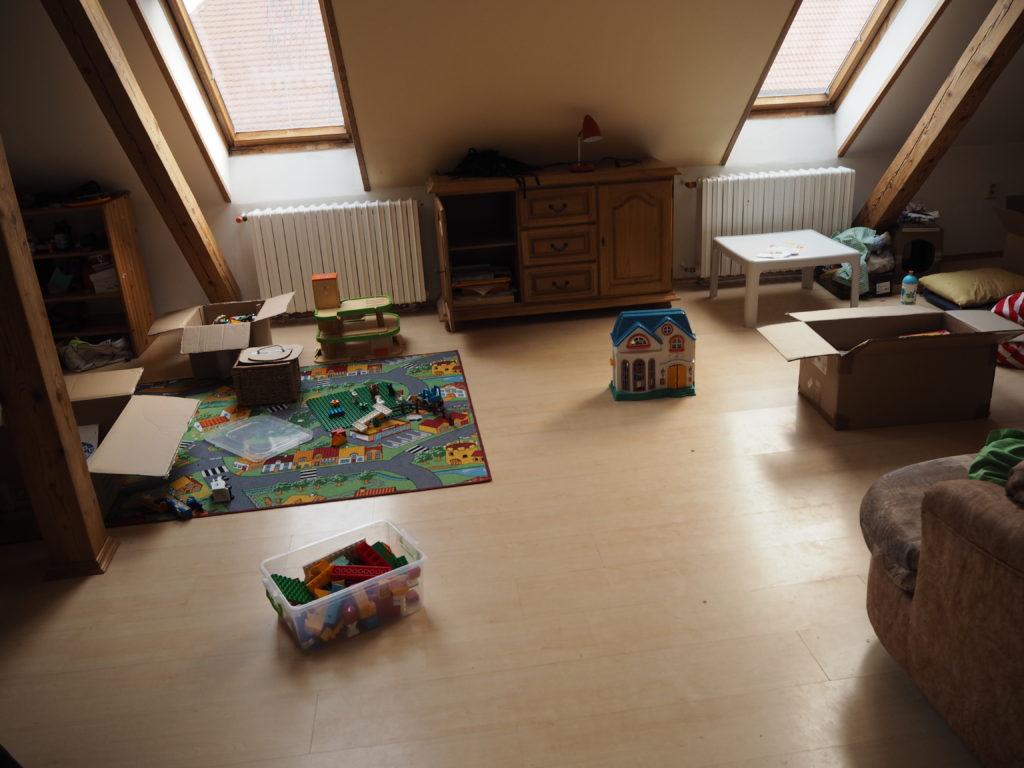 stěhování, minimalismus, Marcela Sobotová, jak jsme se stěhovali, vystěhováno, stěhování jako příležitost, hračky