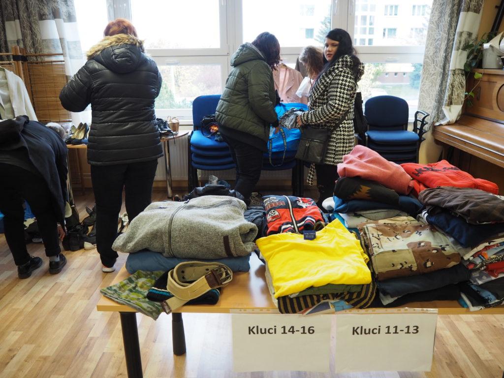 Měnírna, výměna věcí, swap, Pracovna Ženy s.r.o., minimalismus, Marcela Sobotová, oblečení, zbavování se věcí, charita