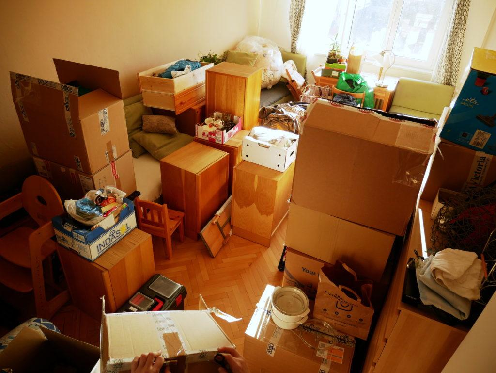 stěhování, minimalistické stěhování, minimalismus, Marcela Sobotová, jak se snadno přestěhovat, stěhování je příležitost